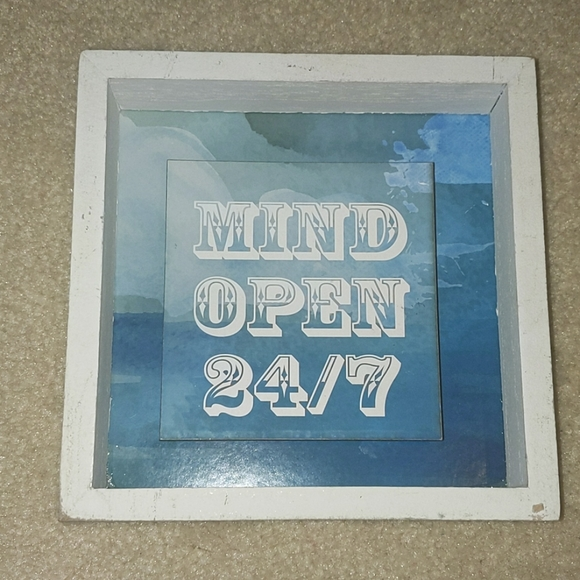 Other - Nwots Mind open 24/7 wall art decor